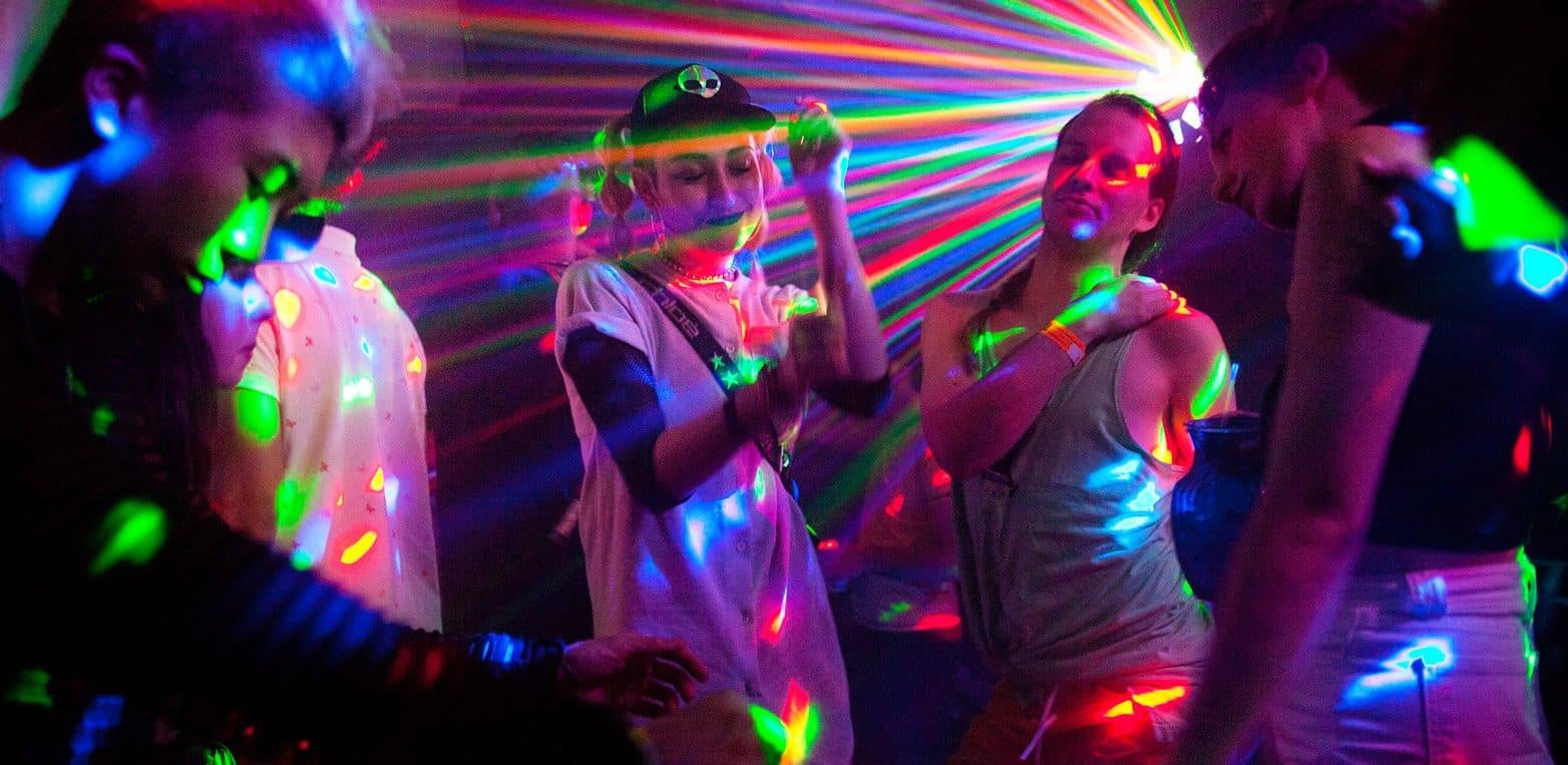 danser l'electro en boite de nuit
